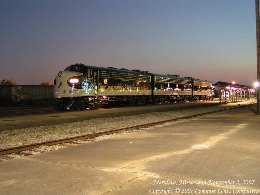 Norfolk Southern F Units 4270 & 4271 Night Meridian, MS
