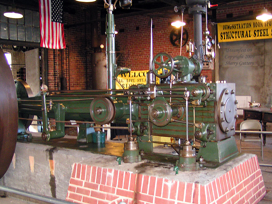 "Watt Campbell ""Corliss"" engine - over-vue of valves cylinder Soule Live Steam Festival Meridian, MS 2009"