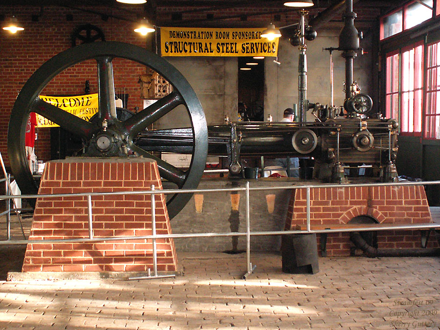 "Watt Campbell ""Corliss"" engine in the Steam Demonstration Room Soule Live Steam Festival Meridian, MS 2009"
