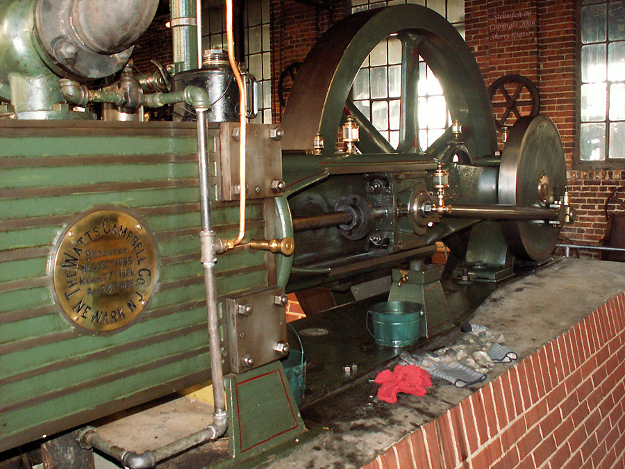 "Watt Campbell ""Corliss"" engine - overvue of crank and flywheel Soule Live Steam Festival Meridian, MS 2009"