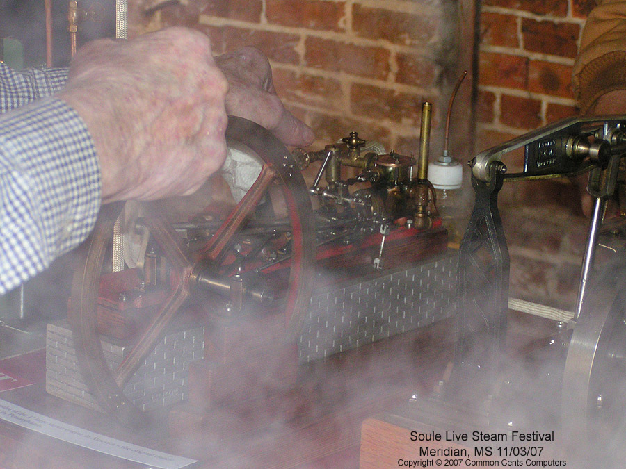 Working Model Engines - Soule Live Steam Festival Meridian, MS 2007